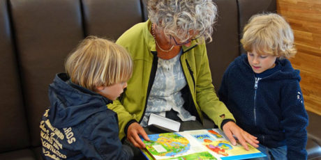 Volunteers wanted to help with Stories and Rhymes at Midsomer Norton Library