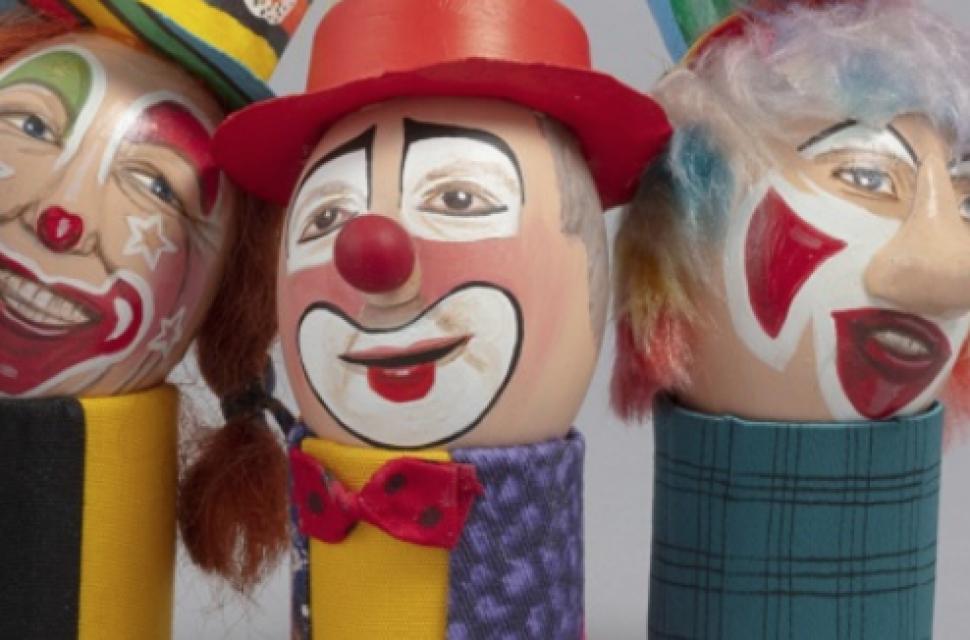 Clowns: The eggs-hibition