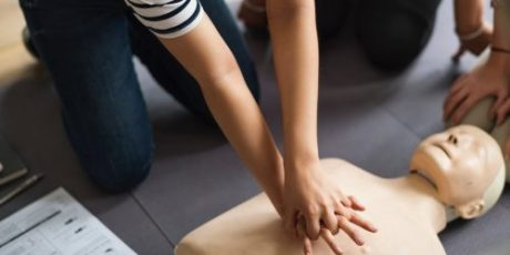Children in England to be taught CPR
